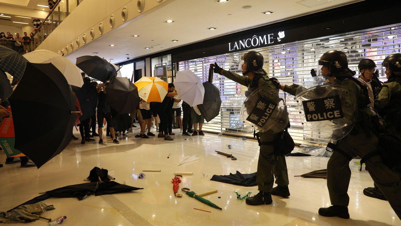 Disturbios en las últimas protestas. Manifestantes y policías se enfrentaron este domingo durante una nueva jornada de protestas, pese a los intentos del Gobierno de rebajar la tensión