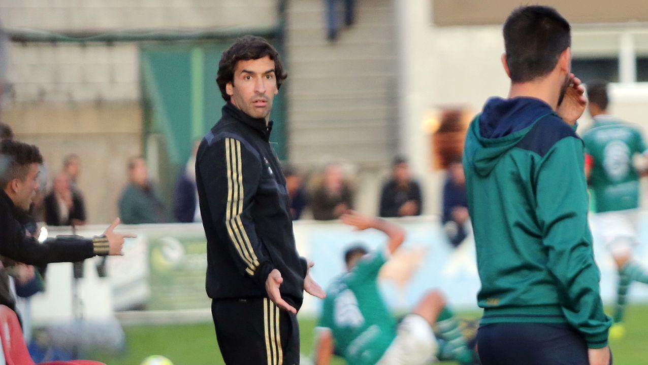 Las imágenes del partido Pontevedra CF - Castilla