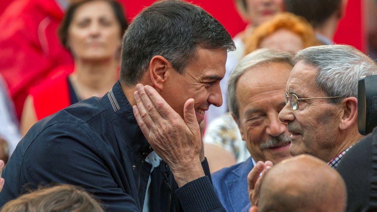 El presidente del Gobierno, Pedro Sánchez, asiste hoy en Oviedo a su primer acto público del PSOE desde que accedió a la jefatura del Ejecutivo y coincidiendo con sus cien días de gestión desde que prometió el cargo ante el Rey
