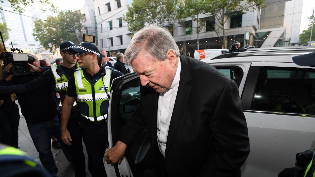 El cardenal George Pell, de 77 años, juzgado por abusos sexuales contra niños en Australia.Peregrinos en Roma