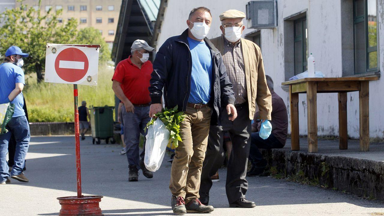El uso de la mascarilla era obligatorio en el mercado ganadero de Chantada, donde se celebró excepcionalmente la feria de este 21 de mayo