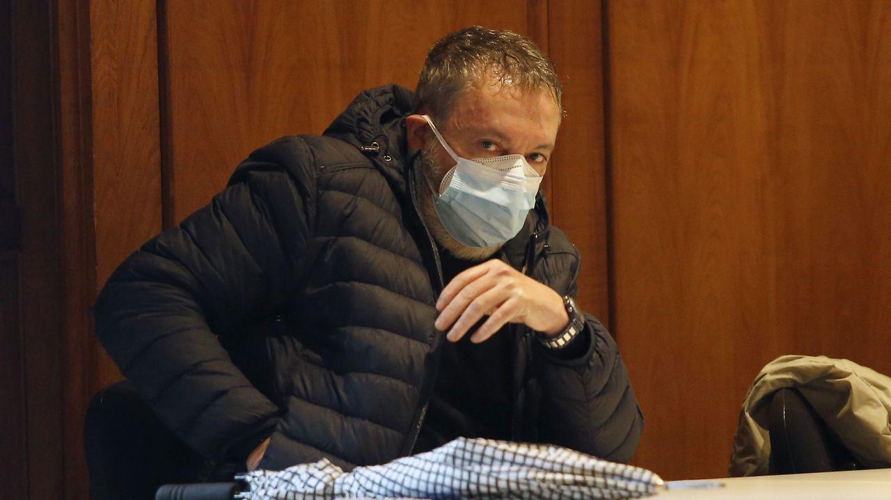 El médico pontevedrés, durante una de las sesiones del juicio en la Audiencia Provincial