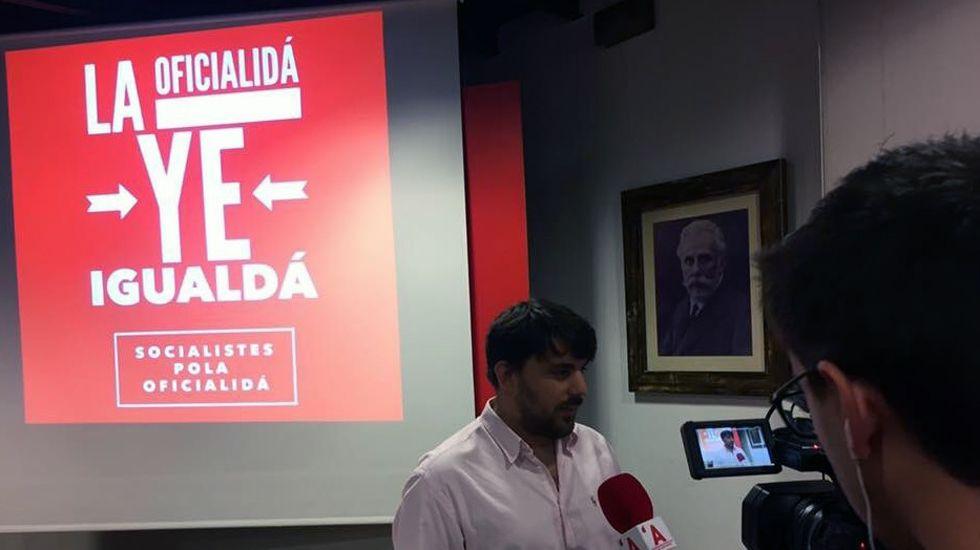El consejero Genaro Alonso inauguró el curso de los centros de educación de personas adultas (Cepas) en San Martín del Rey Aurelio.Presentación de la enmienda de militantes socialistas por el asturiano