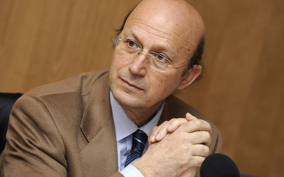 Jordi Doce.Ponte Far es el autor del prólogo y la selección de poemas.