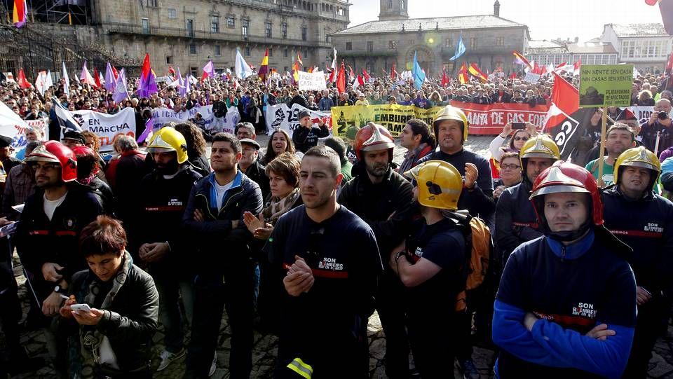 Marcha por la dignidad en Santiago.Renzi llevó a toda su familia a la recepción en el Vaticano con el papa Francisco.