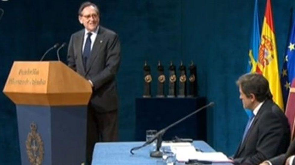 Matías Rodríguez Inciarte, durante la lectura de su discurso en el Campoamor