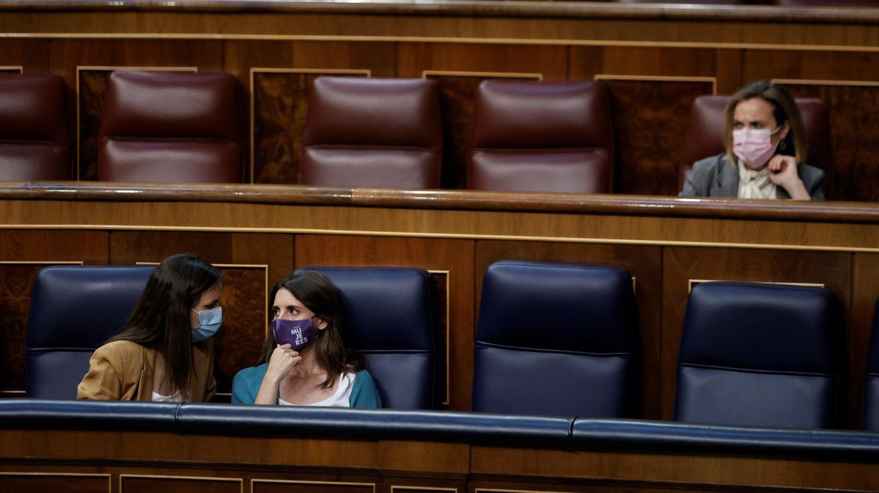 Las ministras de Igualdad, Irene Montero (derecha, abajo) y de Derechos Sociales, Ione Bellara (izquierda, abajo), que defendieron a Garzón, en una foto de archivo