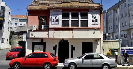 El club de alterne se encuentra en la carretera de A Fraga, cerca del Concello de Fene.