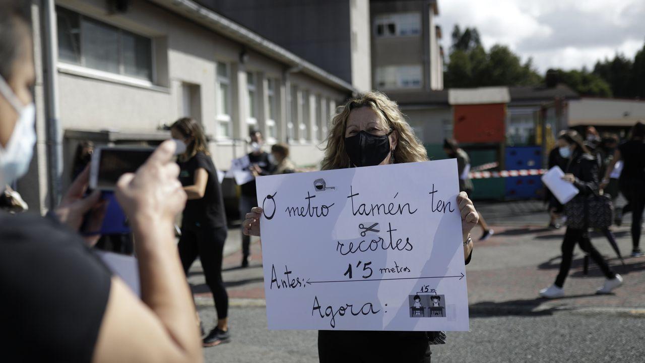 Protesta del personal docente y no docente del CEIP Rabadeira