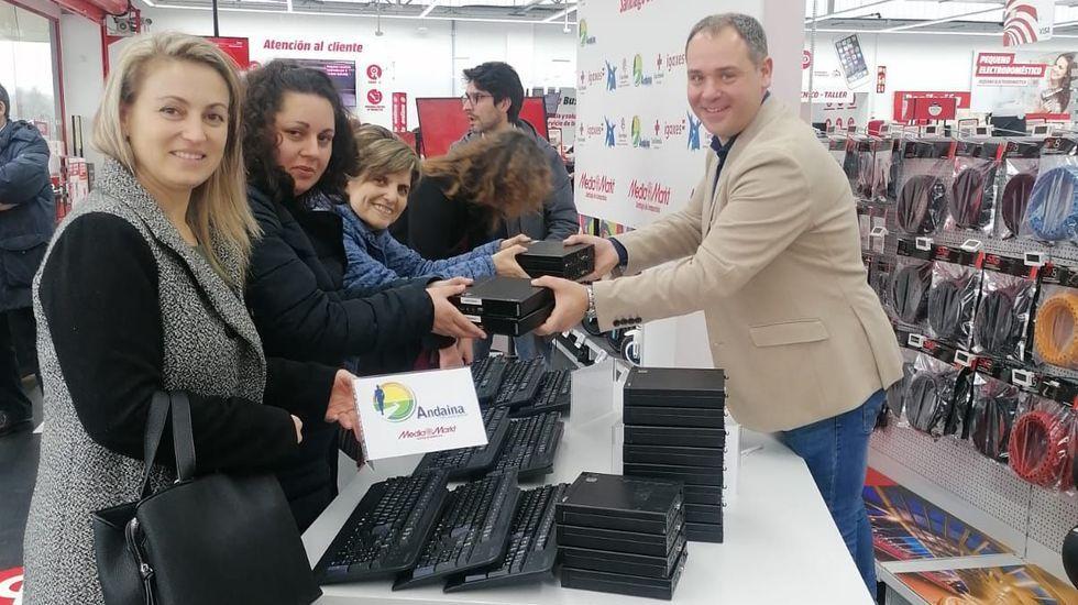 Colas para la presentación del libro de Mónica Durán en Santiago