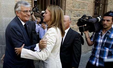 Torres-Dulce, que coincidió en Toledo con Cospedal, anunció la aprobación del libro blanco de la Fiscalía. EFE
