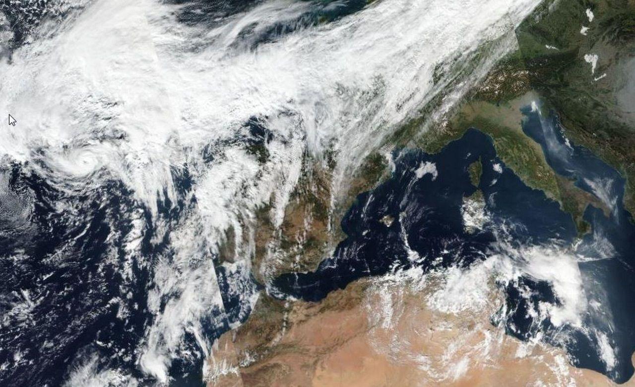 El huracán Pablo situado al oeste de Galicia