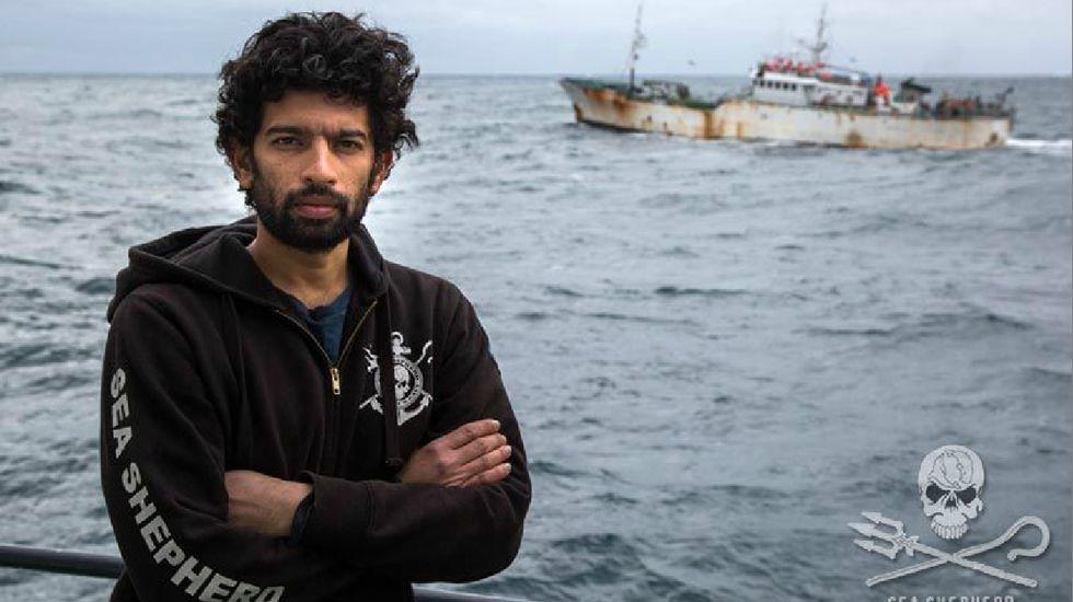 Tragedia en el golfo de Bengala.El capitán del «Sam Simon», en su barco, cuando interceptaron al «Kunlun» en la Antártida. Giacomo Giorgi