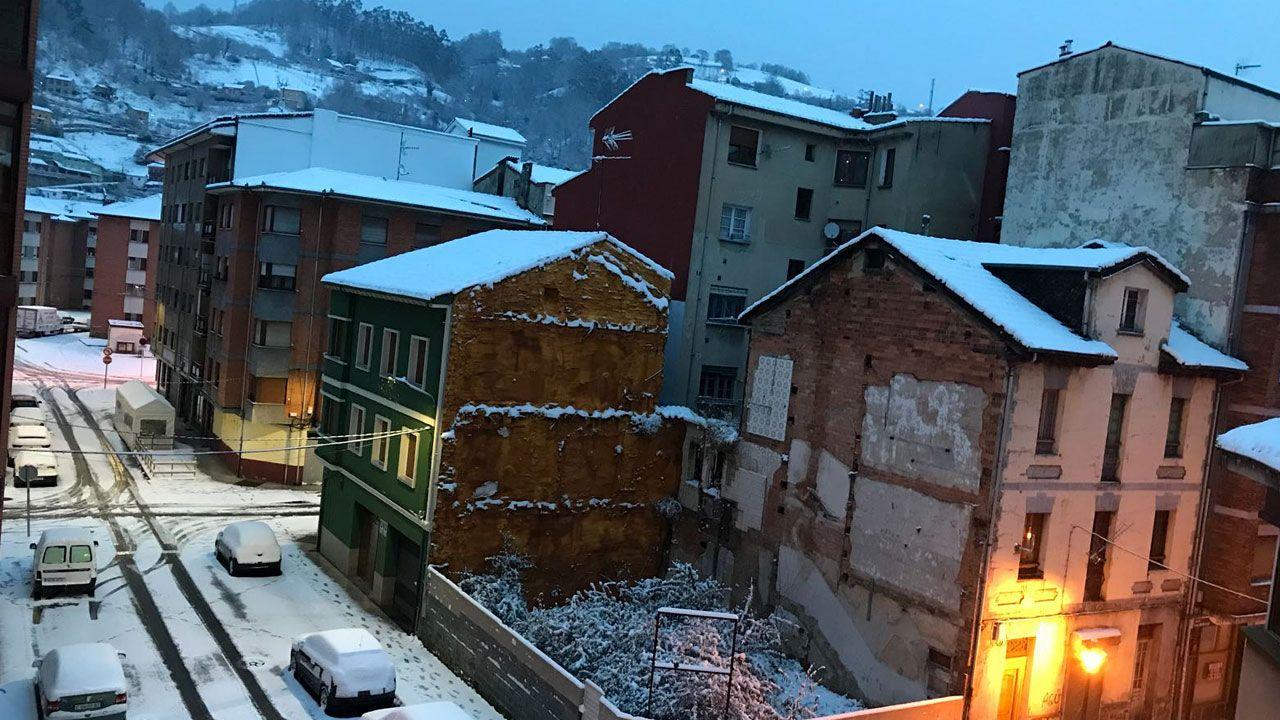 Nieve en Oviedo.Nieve en El Entrego