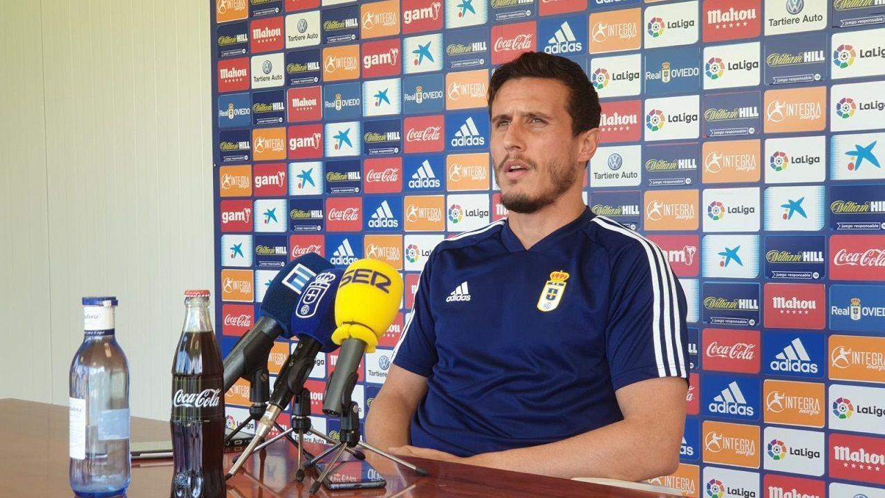 Arribas Alex Lopez Real Oviedo Extremadura Carlos Tartiere.Christian Fernández en El Requexón