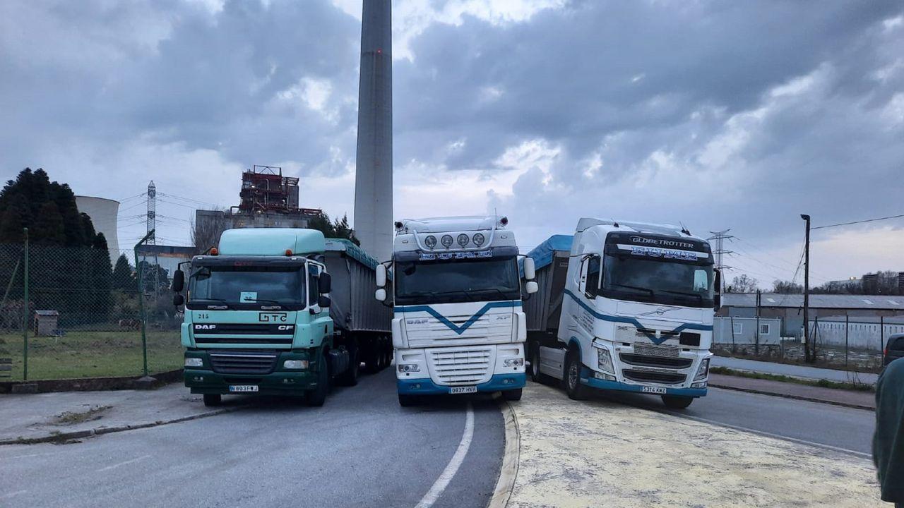 Imagen de hace unos días del bloqueo en As Pontes