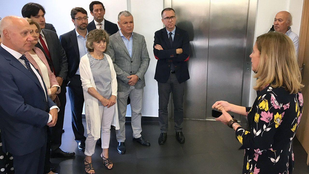 Luis Carcedo con Faustino Blanco, Belarmino Feito, y los consejero, Enrique Fernández, Pablo Fernández Muñiz y Borja Sánchez, en el Centro Europeo de Empresas e Innovación (CEEI).
