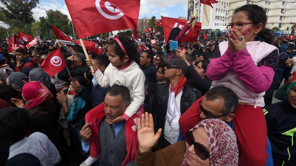 Túnez se echa a la calle.Dispositivo para encontrar al israelí que no estaba secuestrado