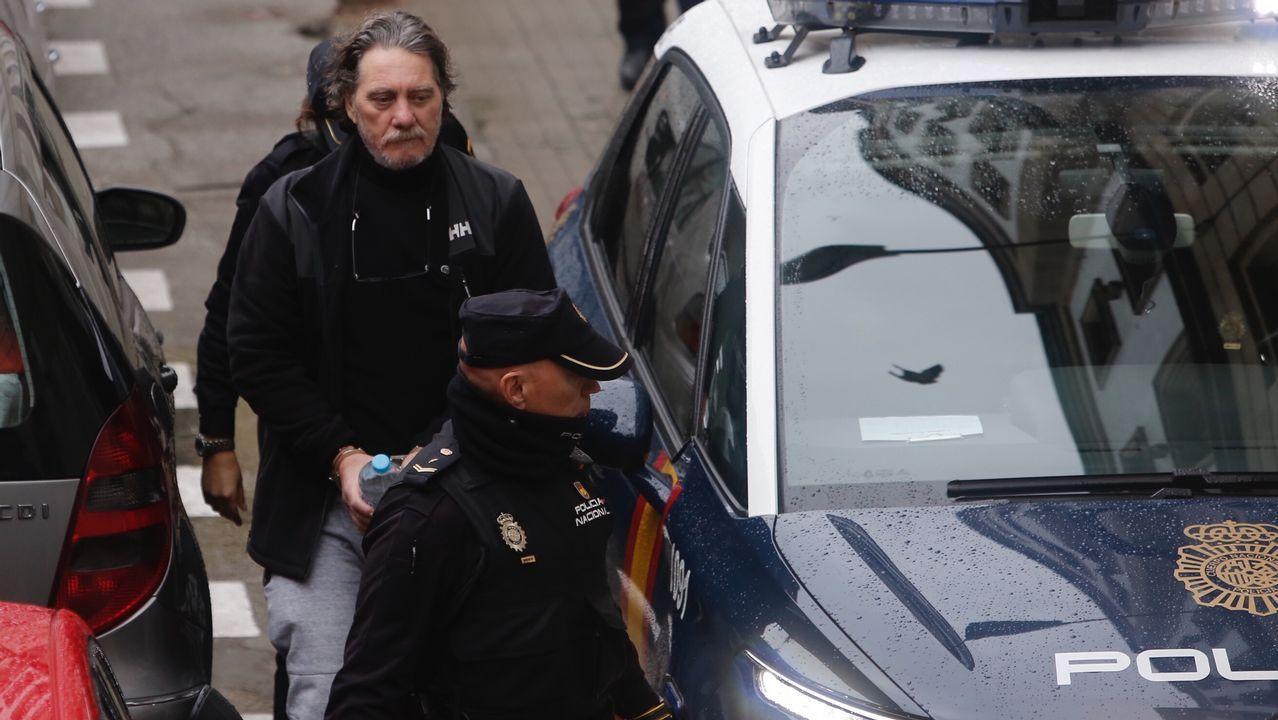 Recusan a dos jueces en el procedimiento contra Miñanco.Uno de los micros fue colocado en una portería de fútbol, en Vilanova, y facilitó la localización de la droga