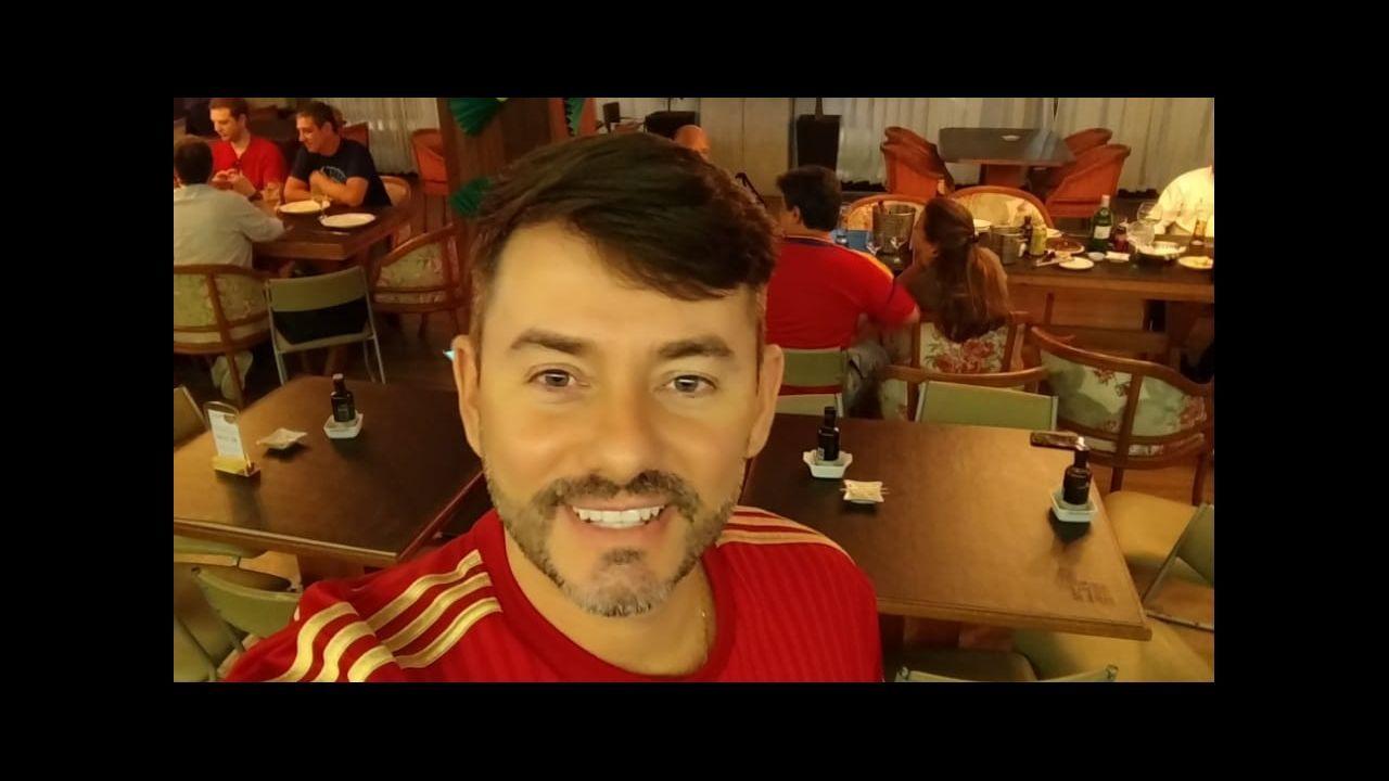 Pese a vivir en Brasil, estaba totalmente ligado a España y ejercía de español en Salvador de Bahía