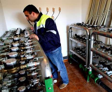 Sistema de lectura remota de contadores de agua de Aqualia en el polígono de Navia.