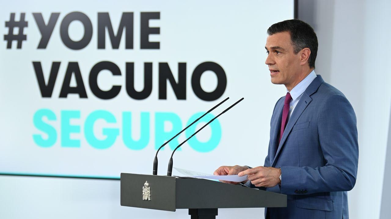José Luis Dominguez, en el centro de la imagen