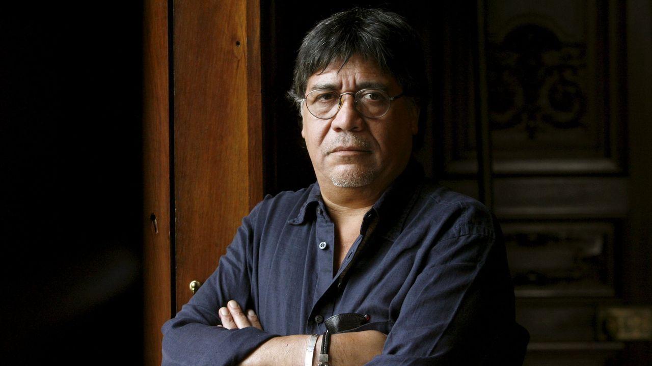 Luis Sepúlveda, en el 2008,  durante la presentación de «La lámpara de Aladino», una recopilación de doce cuentos