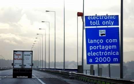 Portugal instaló el peaje en las autovías gratuitas a finales del 2010.
