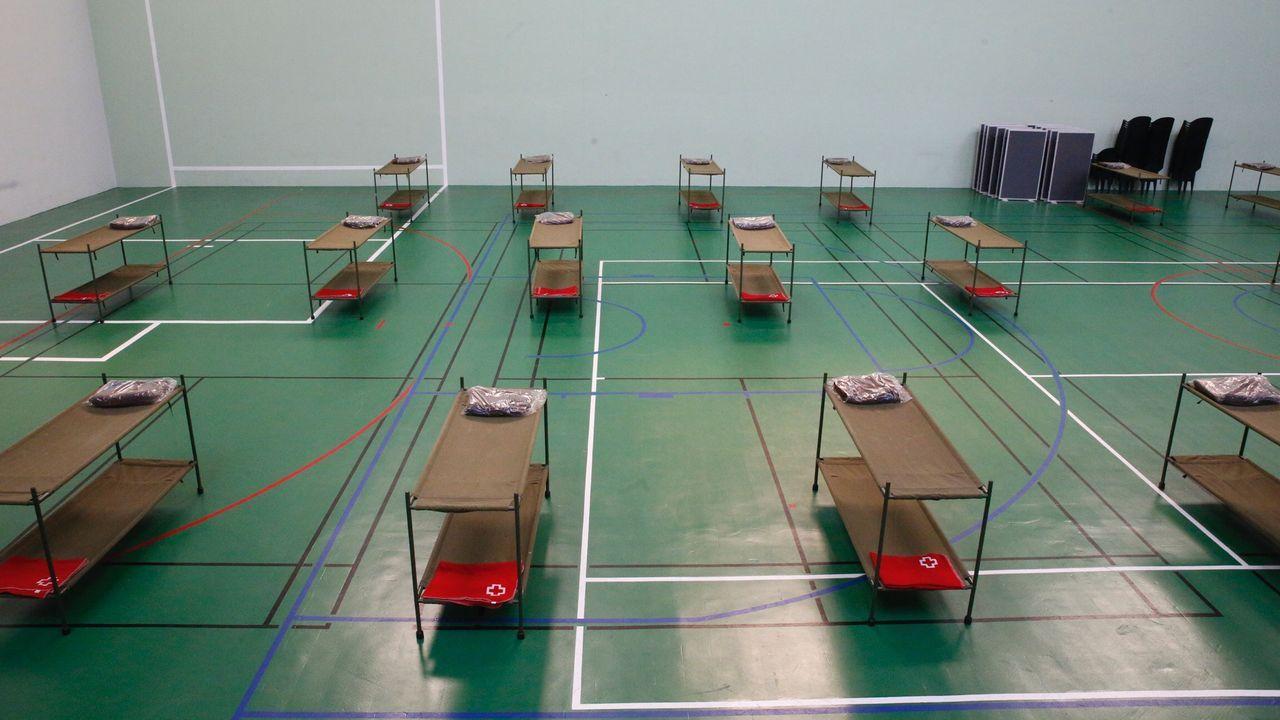Espacio habilitado para los sintecho en el Palacio dos Deportes de A Coruña