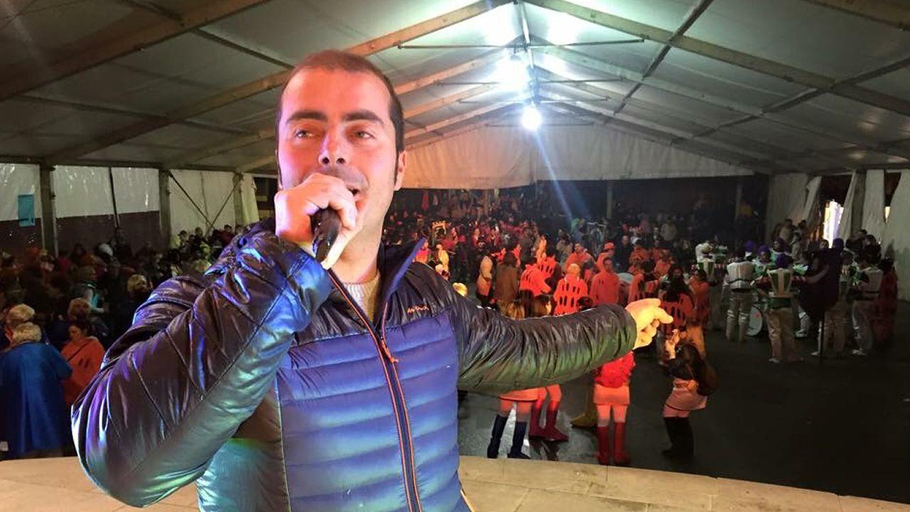 Villa habla de sus experiencias en las concentraciones.Protesta de los empresarios del ocio nocturno en Oviedo