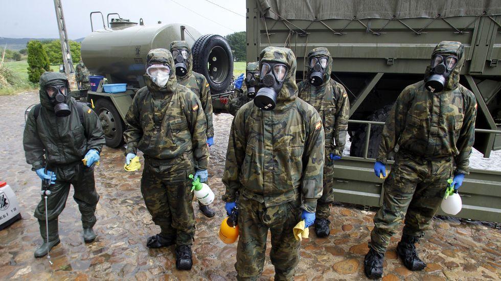 La Brilat, de zafarrancho de limpieza.Los soldados de la Brilat a su llegada a las instalaciones de Prodeme