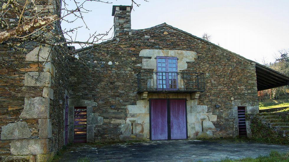 Una de las construcciones pertenecientes a la finca del pazo de Tor