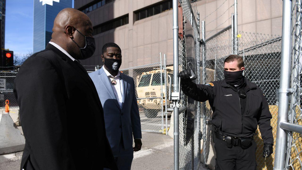 El hermano de Floyd, a su llegada al segundo día del juicio
