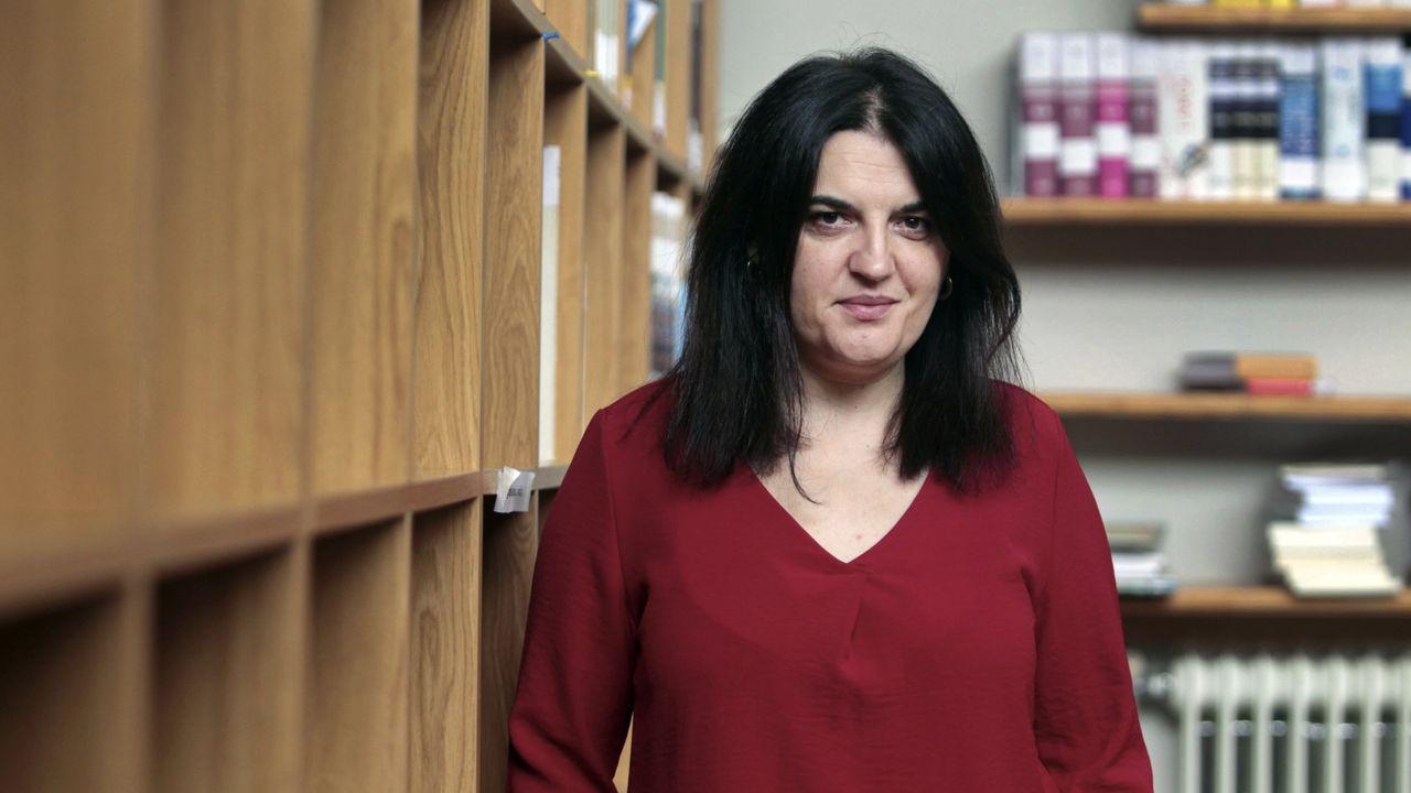 A poeta Olga Novo, premio nacional por «Feliz Idade»
