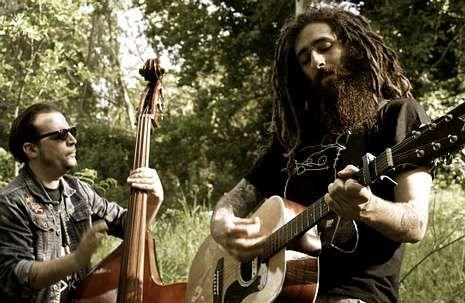 Pérez, guitarra, y Martín, contrabajo, son True Mountain.