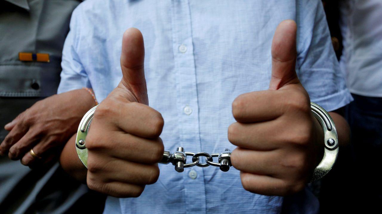 El periodista de Reuters detenido en Myanmar Wa Lone, tras su audiencia judicial en Yangon