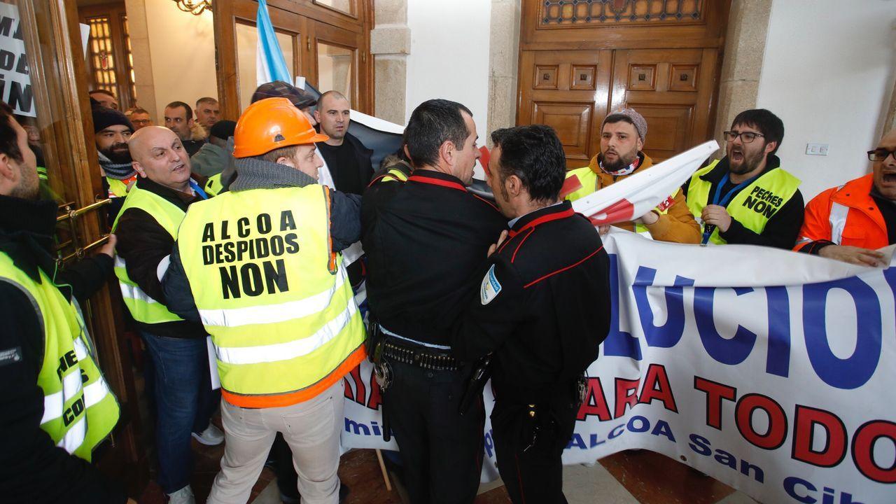 Llegan los primeros autobuses a Lugo para participar en la manifestación