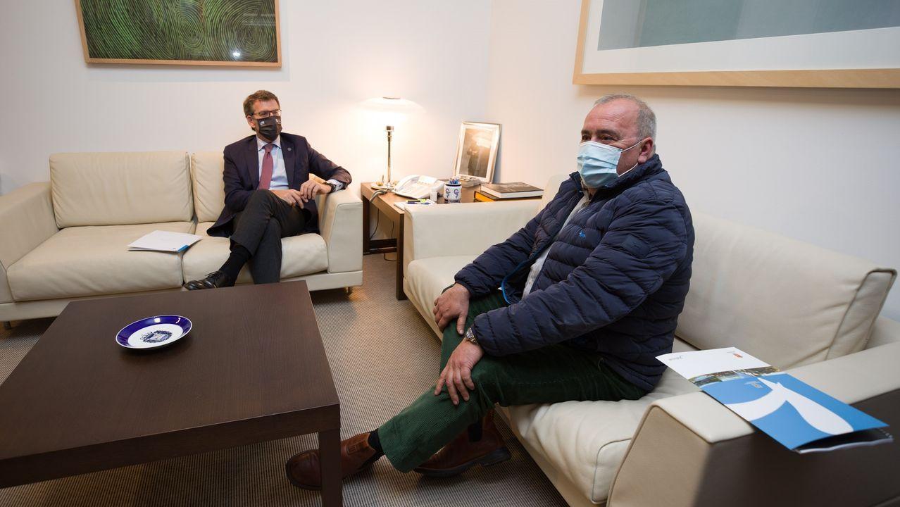 Ñunez Feijóo se reunió con el alcalde de Portomarín, Juan Carlos Serrano