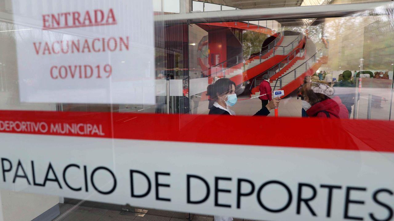 India se quedó sin espacio en los crematorios.El Palacio de Deportes de Gijón, habilitado como centro de vacunación