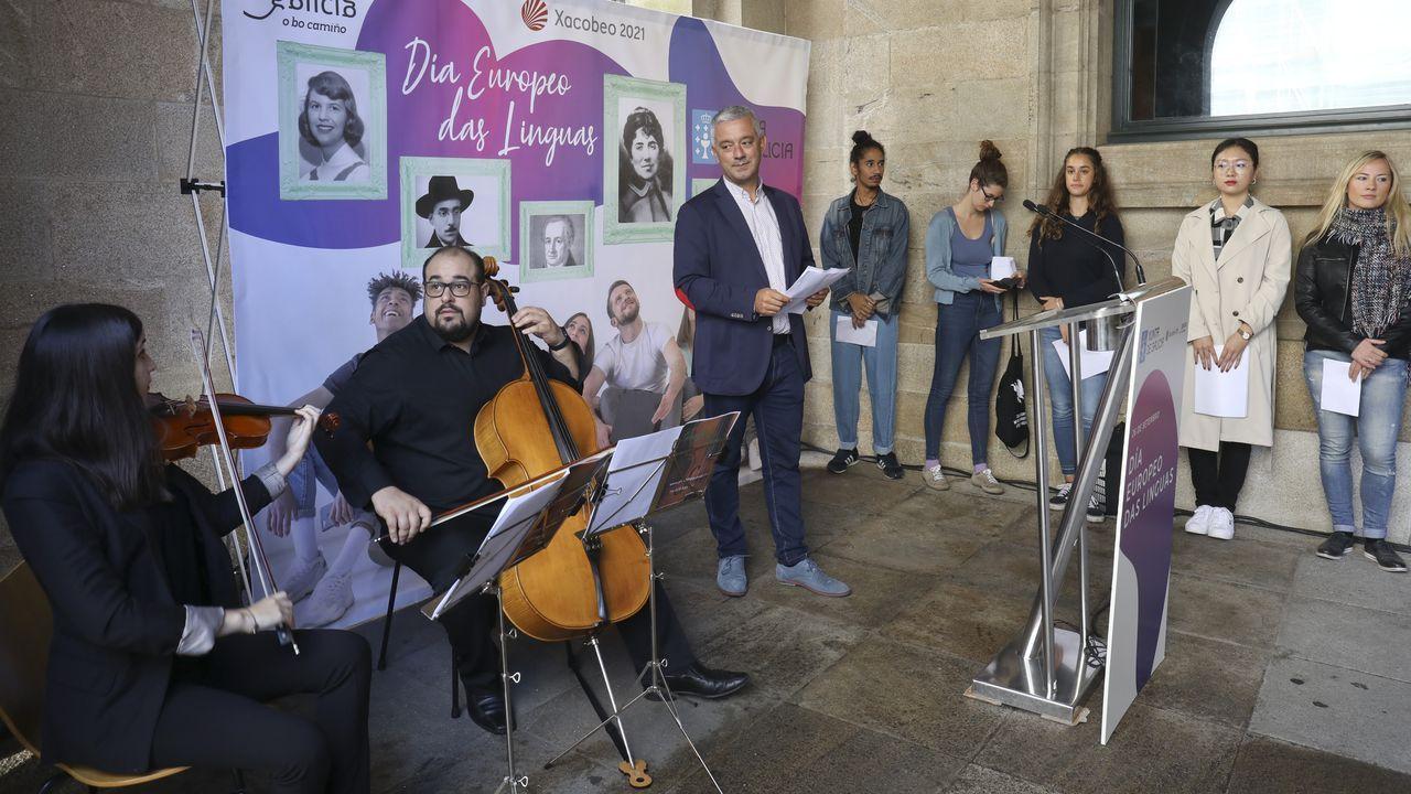 O Domingo das Mozas Lugo vistese e soa a galego.Estudantes erasmus puxeron onte voces a versos de Rosalía noutras linguas