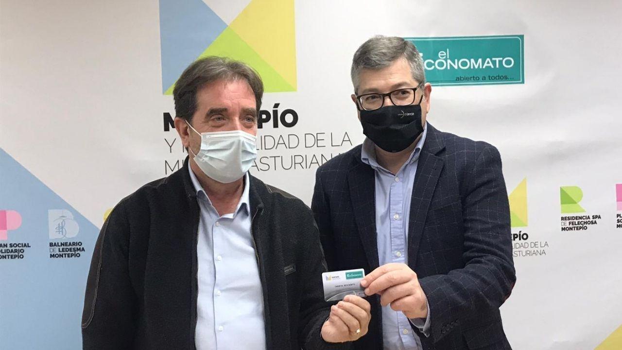 El Presidente del Montepí, Juan José González Pulgar, y el Consejero Delegado del Grupo El Arco-El Economato, José Ramón Ceñera