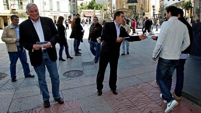 Jorquera analiza los resultados electorales del BNG.Jorquera participó en una manifestación contra los recortes en educación en A Coruña.