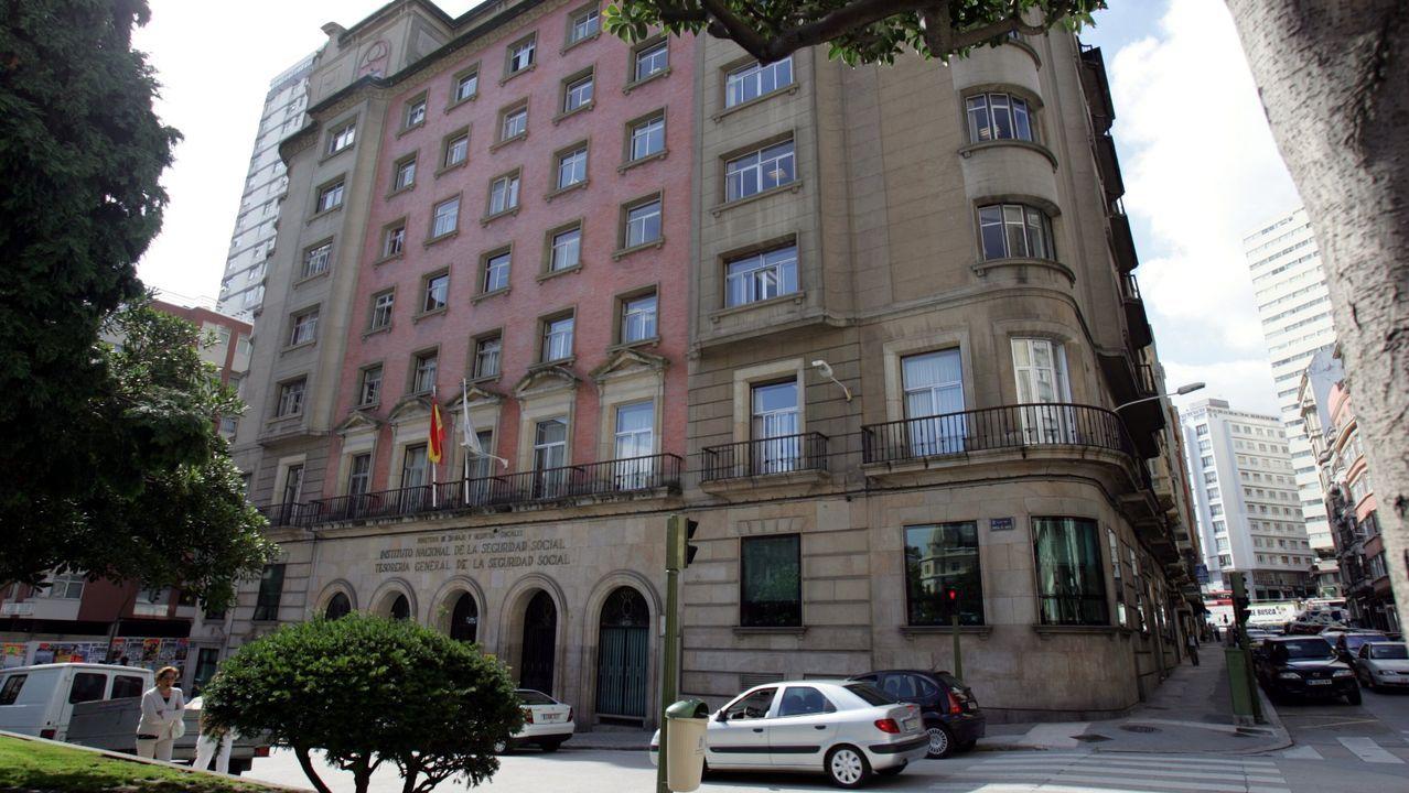 Asturias también estuvo en la movilización por el clima en Madrid.Tesorería de la Seguridad Social de A Coruña en la plaza de Vigo