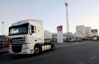 CLH insistió ayer en que sus depósitos de Vigo y A Coruña están funcionando con normalidad
