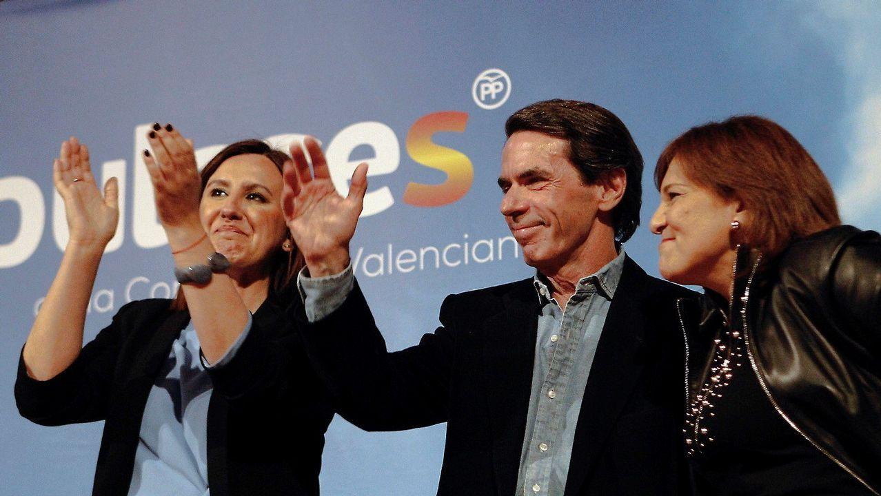 Aznar: «A mí nadie me habla de una 'derechita' cobarde porque no me aguantan la mirada».Mercedes Fernández