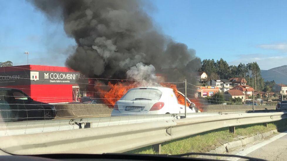 Accidente provocado por un conductor kamikaze en la A-55, en Vigo