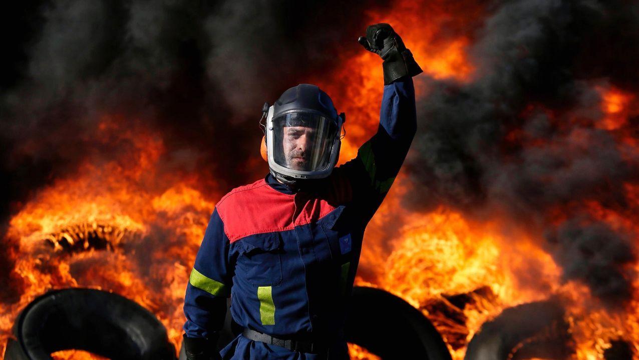 Viaje a Madrid con trabajadores de Alcoa para asistir a la manifestación.Trabajador de Alcoa en A Coruña, en una foto premiada en el certamen Galicia en foco