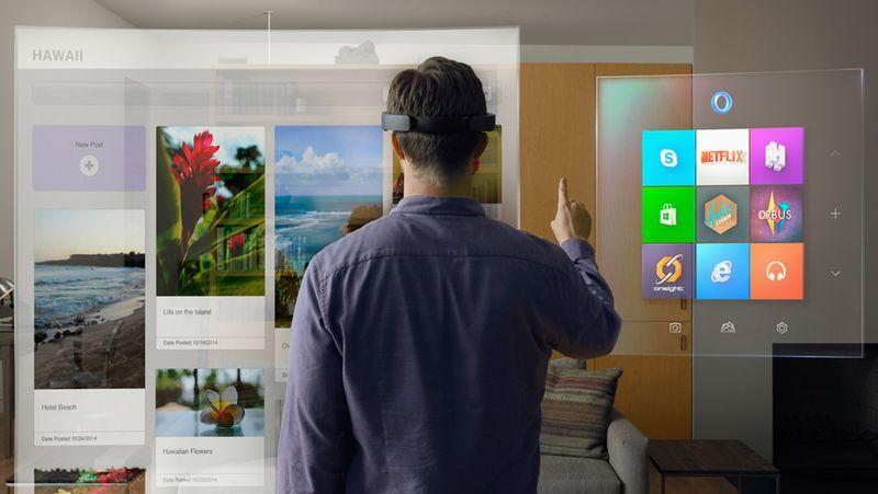 Las increíbles Hololens de Microsoft.Representantes de Microsoft promocionan Windows 10 en una feria de juegos en Hong Kong.