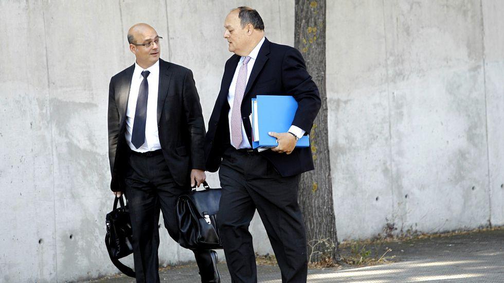 Javier García de Paredes (a la derecha), exdirector adjunto