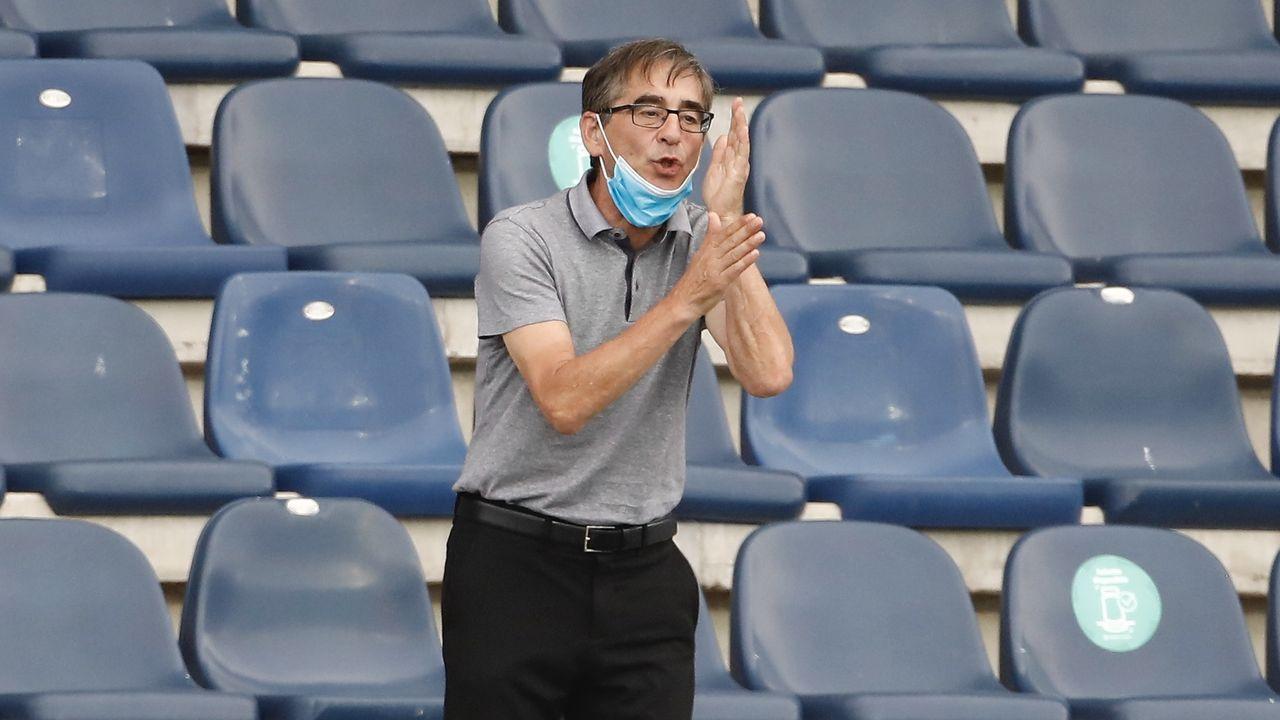 Rueda de prensa de Fernando Vidal.Sangalli, Tejera y ortuño celebran el 1-0 al Mirandés